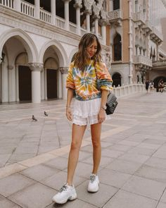Time night clothes, party clothes, glamourous trend that's relaxed very! Casual Night Out Outfit, Casual Skirt Outfits, Sporty Outfits, Night Outfits, New Outfits, Spring Outfits, Slit Wedding Dress, Romper Pants, Jacket Dress