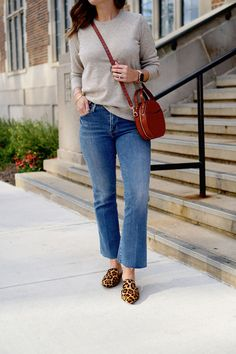 my everyday style: two ways to wear cashmere in September! Mom Outfits, Simple Outfits, Everyday Outfits, Everyday Fashion, Fall Outfits, Casual Outfits, Daily Fashion, Women's Fashion, Preppy Style