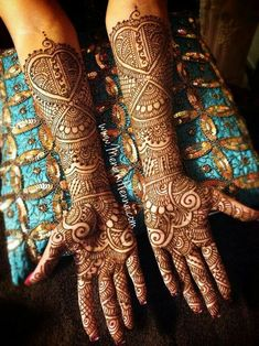Rajasthani Mehndi Designs photos are present on this article. Rajasthani mehndi is also called as mirror reflecting art. Engagement Mehndi Designs, Unique Mehndi Designs, Wedding Mehndi Designs, Beautiful Henna Designs, Mehndi Designs For Hands, Henna Tattoo Designs, Henna Tattoos, Rajasthani Mehndi Designs, Dulhan Mehndi Designs