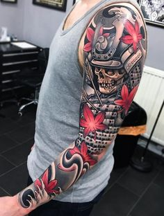 Neo-traditional sleeve, a fallen Samurai with arrows in his chest. Tattoo by Joe Carpenter, an artist based in Norwich, England. Japanese Tattoo Designs, Japanese Sleeve Tattoos, Best Sleeve Tattoos, Best Tattoo Designs, Tattoo Sleeve Designs, Cover Up Tattoos, Body Art Tattoos, Cool Tattoos, Fake Tattoos