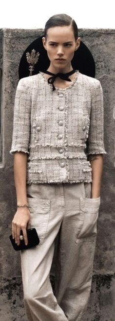 Chanel: Latin Lover by Karl Lagerfeld (mix models) Chanel Couture, Look Fashion, High Fashion, Womens Fashion, Fashion Design, Moda Chanel, Karl Otto, Chanel Jacket, Chanel Dress