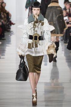 Maison Margiela Fall 2016 Ready-to-Wear Fashion Show - Teddy Quinlivan