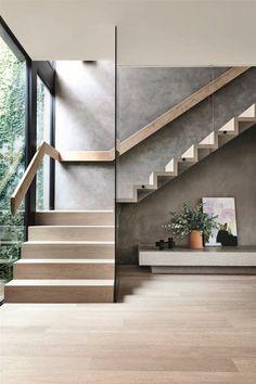 Una reforma devuelve a esta casa victoriana un aspecto muy moderno Staircase Design Modern, Timber Staircase, House Staircase, Home Stairs Design, Floating Staircase, Staircase Railings, Railing Design, Interior Stairs, Spiral Staircases
