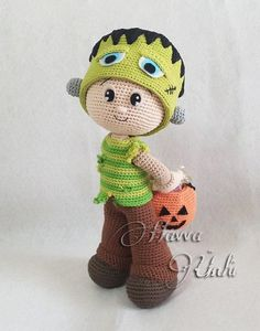 Amigurumi Frankie the Frankenstein This is an Amigurumi Frankie the Frankenstein Crochet Pattern, not a finished toy. This pattern includes body and all clothes and accessories.