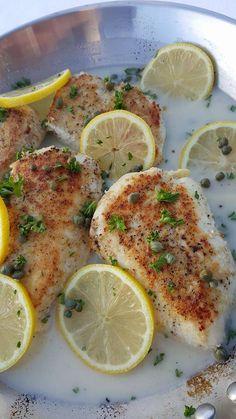 Clean Eating Creamy Lemon Chicken Piccata Recipe http://cleanfoodcrush.com/creamy-chicken-piccata/