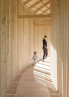 Playing like kids in this pine #wooden structure. A circular entertainment in the middle of King's Garden in #Copenhagen that contrasts with the #nature