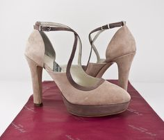 #zapatos #salones #plataforma #taconazos #madrid #shopping #madeinspain #moda #artesanal #hechosamano #peeptoes #PEEPTOE #SHOES #'PLATFORMPUMPS #HEELS #ONLINESHOPPING #SHIPPINGWORLDWIDE #ESHOP jorgelarranaga.com