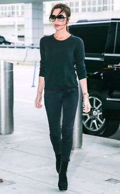 Victoria+Beckham+from+The+Big+Picture:+Today's+Hot+Pics The+singer+turned+fashion+mogul+makes+her+way+out+of+JFK+Airport+in+New+York+City.