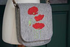 Trachtentasche,  Filztasche mit Mohnblumen von FilzdesignBruckner auf DaWanda.com