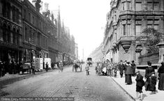 Grainger Street, Newcastle, 1900. Incorporating classical streets built by Richard Grainger, a builder and developer, between 1824 and 1841, some of Newcastle's finest buildings and streets lie within the Grainger Town area of the City centre including Grainger Market, Theatre Royal, Grey Street, Grainger Street and Clayton Street. #history #photography #tyneside