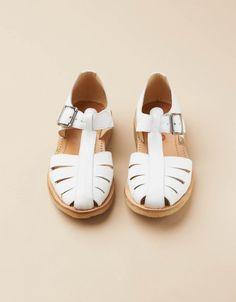Sandal (white)