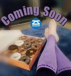 🍩 Just sitting here waiting for #zensahday to get here🍩  ps...it's tomorrow , stay tuned 😉  #compression #compressionsleeves #compressionsocks #recovery #makesmylegsfeelsogood #runners #running #teamzensah #zesahambassadorteam #socklove