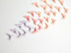 Fondo de mariposas de papel y nuevo catálogo Opitec - Hello Eventos
