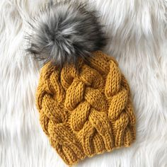 Welcome to my free pattern for this chunky braided cable beanie! - knitting hat , Welcome to my free pattern for this chunky braided cable beanie! Welcome to my free pattern for this chunky braided cable beanie! Knitting Terms, Knitting Patterns Free, Free Knitting, Knitting Projects, Free Pattern, Crochet Patterns, Pattern Ideas, Knitting Needles, Knitting Tutorials