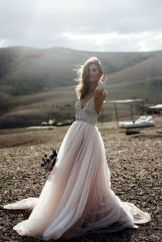 galiah lahav dress, houte couture dress, wedding gown, blush wedding gown, wedding dress, marrakech wedding, moroccan wedding, desert wedding, desert bride, bridal couture, scarabeo camp, scarabeo camp wedding, la pause wedding, la pause, galiah lahav