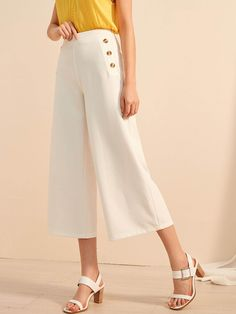 To find out about the Button Wide Leg Pants at SHEIN, part of our latest Pants ready to shop online today! Flare Leg Pants, Wide Leg Pants, Pants For Women, Clothes For Women, Ladies Pants, Outfits Damen, Type Of Pants, Vintage Mode, Tank Tops