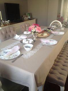 Dantelli masa örtüm