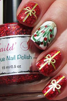 Latest Christmas nail art designs and trends of year Santa Holiday nail art,Christmas tree nail art,ornaments,candycane,snowflake nails Cute Christmas Nails, Christmas Manicure, Christmas Nail Art Designs, Holiday Nail Art, Xmas Nails, Christmas Presents, Christmas Holiday, Christmas Present Nails, Christmas Ideas