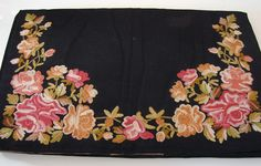 Maria Niforos - Fine Antique Lace, Linens & Textiles : Antique & Vintage Accessories # AC-23 Lovely Silk Bag w/ Beavais Embroidery