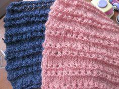 Si vous êtes un peu à la bourre pour préparer vos cadeaux, voici un modèle rapide à réalisé. (j'en sais quelques choses : je suis... Crochet Christmas Gifts, Crochet Gifts, Headband Bebe, Knitting Accessories, Lana, Knitted Hats, Free, Voici, Crochet Shawl