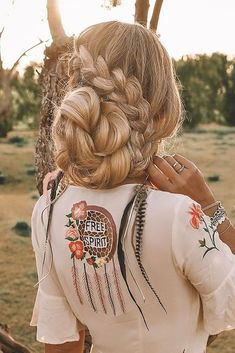 42 Chic And Easy Wedding Guest Hairstyles ❤ wedding guest hairstyles volume braided updo on long blonde hair foxytrash Easy Wedding Guest Hairstyles, Pretty Updos, Small Braids, Small Intimate Wedding, Chic Hairstyles, Shoulder Length Hair, Braided Updo, Simple Weddings, Hair Type