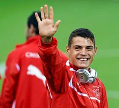 So, I was done with looking at football playing men a long time ago. And then came Granit Xhaka... #sonenSchuss