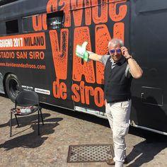 Ma chi compare con noi ad #Agrinatura ? È proprio lui Davide Bernasconi in arte Van De Sfroos! Poesie e canzoni #country per #agri2017 #nofilter #tour #dvdssansiro #nostop #sunny #countrymusic #outinthesun #freshair #instalike #instapic