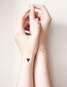Geometric Infatuation: The Rise of Minimalistic Tattos