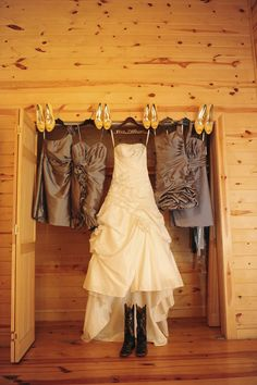 hunting themed wedding ideas | In this outdoor wedding, the couple really put themselves into the ...