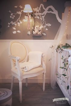 cadre ung drill blanc dans chambre b b nursery pinterest baroque furniture and style. Black Bedroom Furniture Sets. Home Design Ideas
