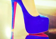 #iHeartRadio @Fontainebleau We love this shade of blue on these pumps.