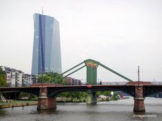 Frankfurt - art deco bridge