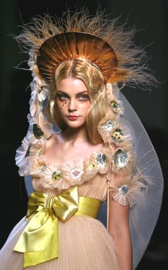 Jessica Stam at Jean Paul Gaultier Spring 2007 Haute Couture Jean Paul Gaultier, Paul Gaultier Spring, Jessica Stam, Fashion Art, Runway Fashion, High Fashion, Fashion Show, Fashion Design, Fashion 2018