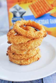 Baked Cheddar Ranch Onion Rings - crispy baked onion rings are totally possible! #MVCheezIt #ad