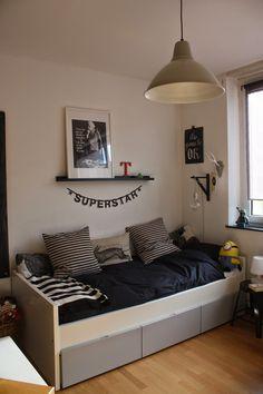 Das kleine weisse Haus Boy Room, Kids Room, Teenage Room, Types Of Houses, Creative Thinking, Exterior Doors, New Kitchen, Linen Bedding, Toddler Bed