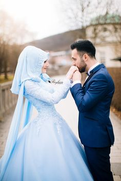 Pin by noufal mohammad on muslim couple Muslim Wedding Ceremony, Hijabi Wedding, Muslimah Wedding Dress, Hijab Wedding Dresses, Wedding Couple Poses Photography, Couple Photoshoot Poses, Wedding Poses, Wedding Couples, Wedding Photoshoot