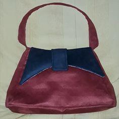 Sac Ava cousu par Mady32 - Tissu(s) utilisé(s) : Suedine rouge et noire - Patron Sacôtin : Ava