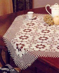 Free Patterns of the Crochet Table Runner Flowers