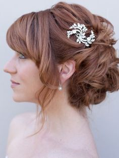 Wedding hair with vintage comb