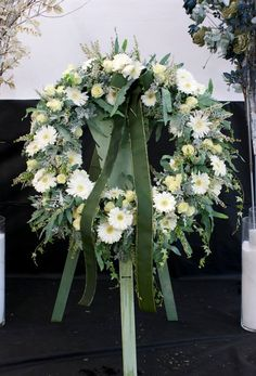 Artist and design by Roberta Miłkowskiego - Mana vietne Funeral Flower Arrangements, Funeral Flowers, Funeral Sprays, Grave Decorations, Flower Bouquet Wedding, Floral Design, Floral Wreath, Wreaths, Artist