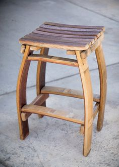 Sturdy stool made from wine and whiskey barrel staves. Wine Barrel Bar Stools, Wine Barrel Diy, Whiskey Barrel Furniture, Wine Barrels, Bourbon Barrel, Table Baril, Barris, Barrel Projects, Chairs