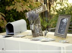 love the vintage mailbox for wedding cards.