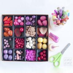 Using a chocolate box and origami boxes to make an organizational box Valentine Chocolate, Chocolate Box, Hobbies And Crafts, Crafts To Make, Diy Box Organizer, Origami And Kirigami, Origami Boxes, Bead Organization, Organizing Ideas