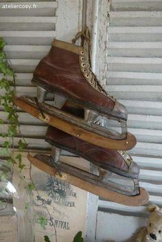 Anciens patins à glace  Brocante de charme atelier cosy.fr