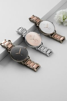 The most innovative watches you'll ever own. Choose your perfect style from our fashion designed collection of women's quartz wristwatches meeting latest trends. Mvmt Watches, Big Watches, Fossil Watches, Watches For Men, Elegant Watches, Stylish Watches, Beautiful Watches, Fancy Jewellery, Jewelry