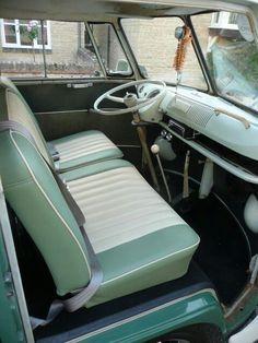 Beetles Volkswagen, Vintage Volkswagen Bus, Volkswagen Bus Interior, Kombi Interior, Vw T2 Camper, Ford Interior, Van Interior, Volkswagen Golf, T1 Bus
