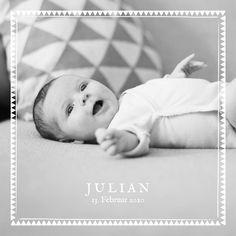 Sie möchten Freunden und Verwandten die Geburt Ihres Babys ankündigen und können sich unter Ihren vielen schönen Fotos nicht entscheiden? Die ...