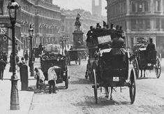 Dustmen at Holborn - London. Eliza Doolittle's father was a dustman. Victorian London, Vintage London, Old London, East London, Baker Street, London Street, London City, Westminster Cathedral, Old Photos