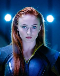 She plays superheroine Jean Grey in the blockbuster X-Men: Apocalypse and looks set to be a star to watch. We lift the lid on Sophie Turner, an actress who became a worldwide name after appearing in the TV sensation Game of Thrones. Xmen Apocalypse, Apocalypse Character, Hq Marvel, Marvel Girls, Marvel Movies, Marvel Cinematic, Marvel Heroes, Jean Grey Phoenix, Dark Phoenix