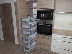 Kuchyň výsuvná potravinová skříň.jpg :: Kuchyne Krcma